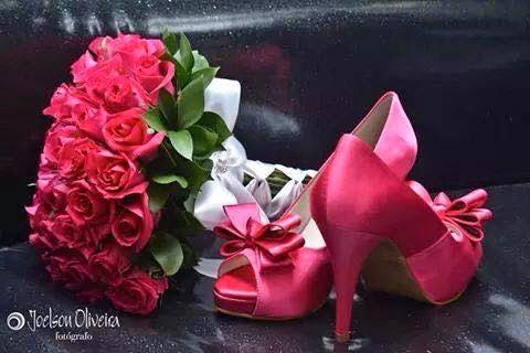 c8d53b310 Combinar o buquê com os sapatos de noiva? 3