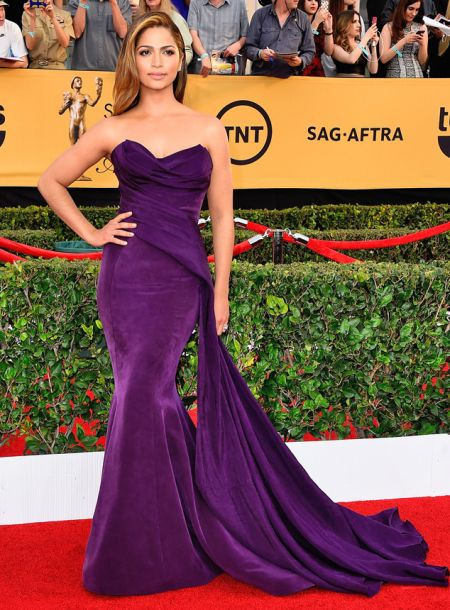 Camila Alves in a plum Donna Karan Atelier gown at the SAG Awards 2015
