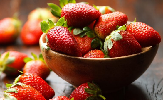 Top 12 Latest Foods for Younger Healthy Looking Skin
