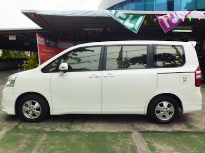 Eksterior Toyota NAV1 Tampak Samping