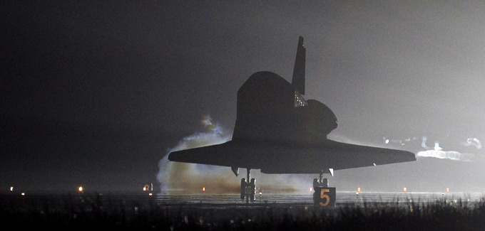 Space Shuttle Endeavour back from Its Last Mission for ...