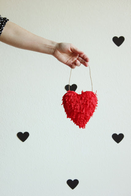 diy-valentine-fringed-heart-JULEP