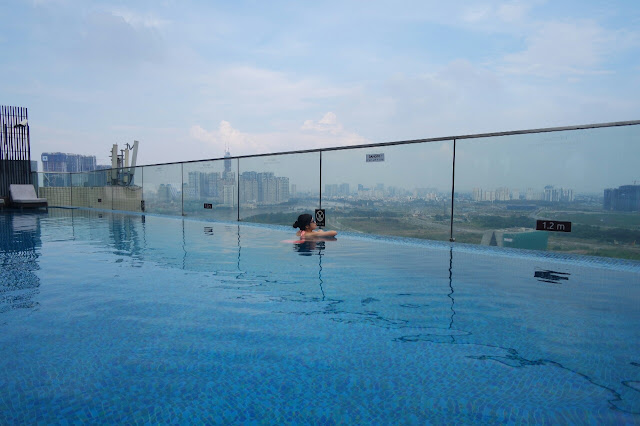 Liberty Central Saigon infinity pool