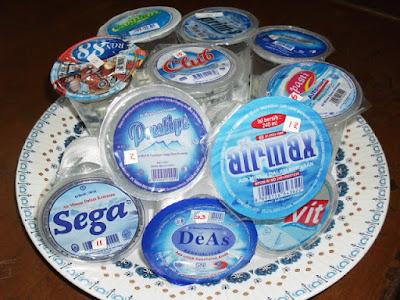 Daftar 11 Merk Air Minum Dalam Kemasan (AMDK) Gelas Tidak Layak Minum