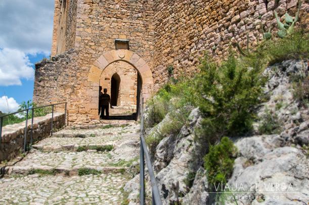 Acceso al Castillo de Alquezar