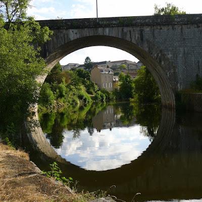 De Paris à la Rochelle en vélo couché, Parthenay