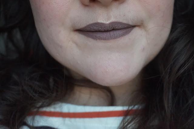 Sephora _Rouge_velouté_sans_transfert_Cream_lip_stain_21_pretty_beige_revue_avis_swatches_001