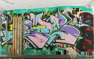 http://fotobabij.blogspot.com/2016/01/zgjecia-puawskich-graffiti.html