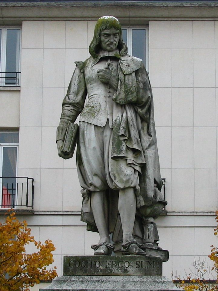 statue of Rene Descartes