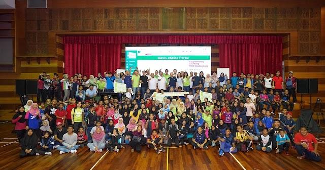 Portal eKelas Inisiatif Maxis Perkasakan Kelas Digital Percuma