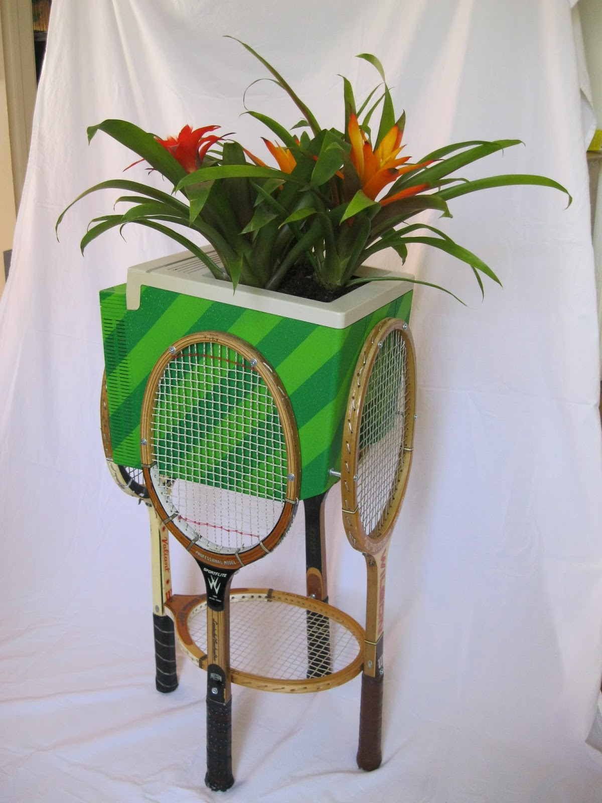 How To Recycle Bring Back To Life An Old Tennis Rackets