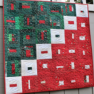 CHRISTMAS QUILT-BABY QUILT-QUILT FOR SALE-RED-GREEN-QUILT