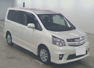 16015PT05 2010 Toyota Noah SI