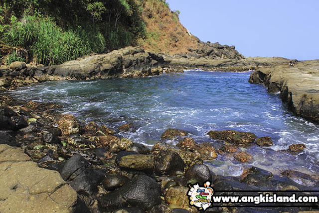 kolam renang alami indonesia