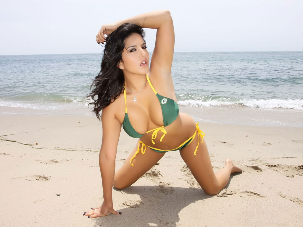 Sunny Leone Hot Indian Actress-7306