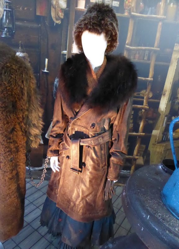 Jennifer Jason Leigh Hateful Eight Daisy Domergue costume