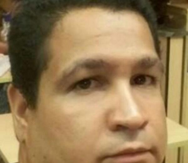 Homem sequestrou criança que voltava da escola, amarrou os braços com fita e levou pro motel