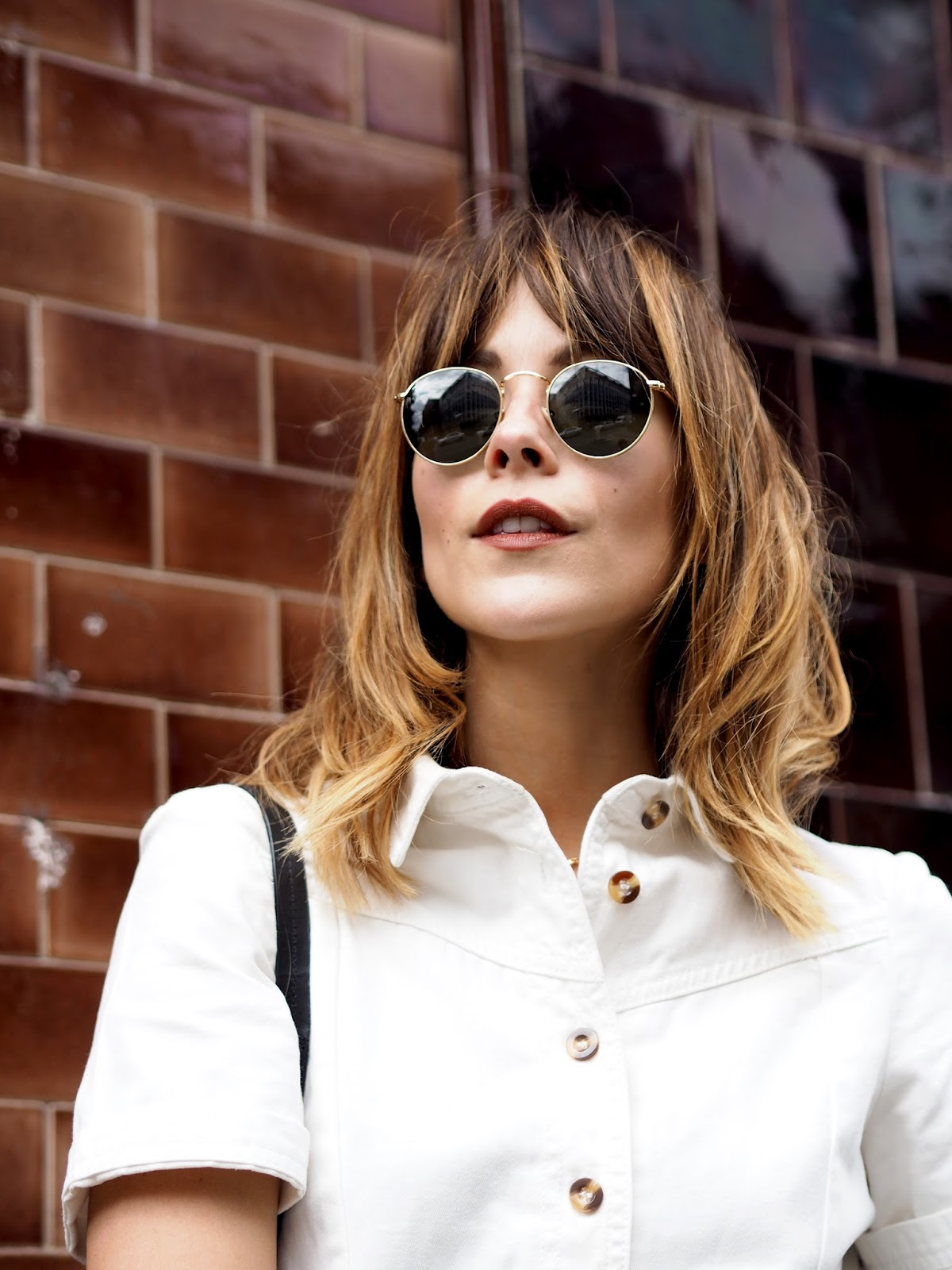 Messy Alexa Chung Hair with Ray Ban Round Metal Sunglasses