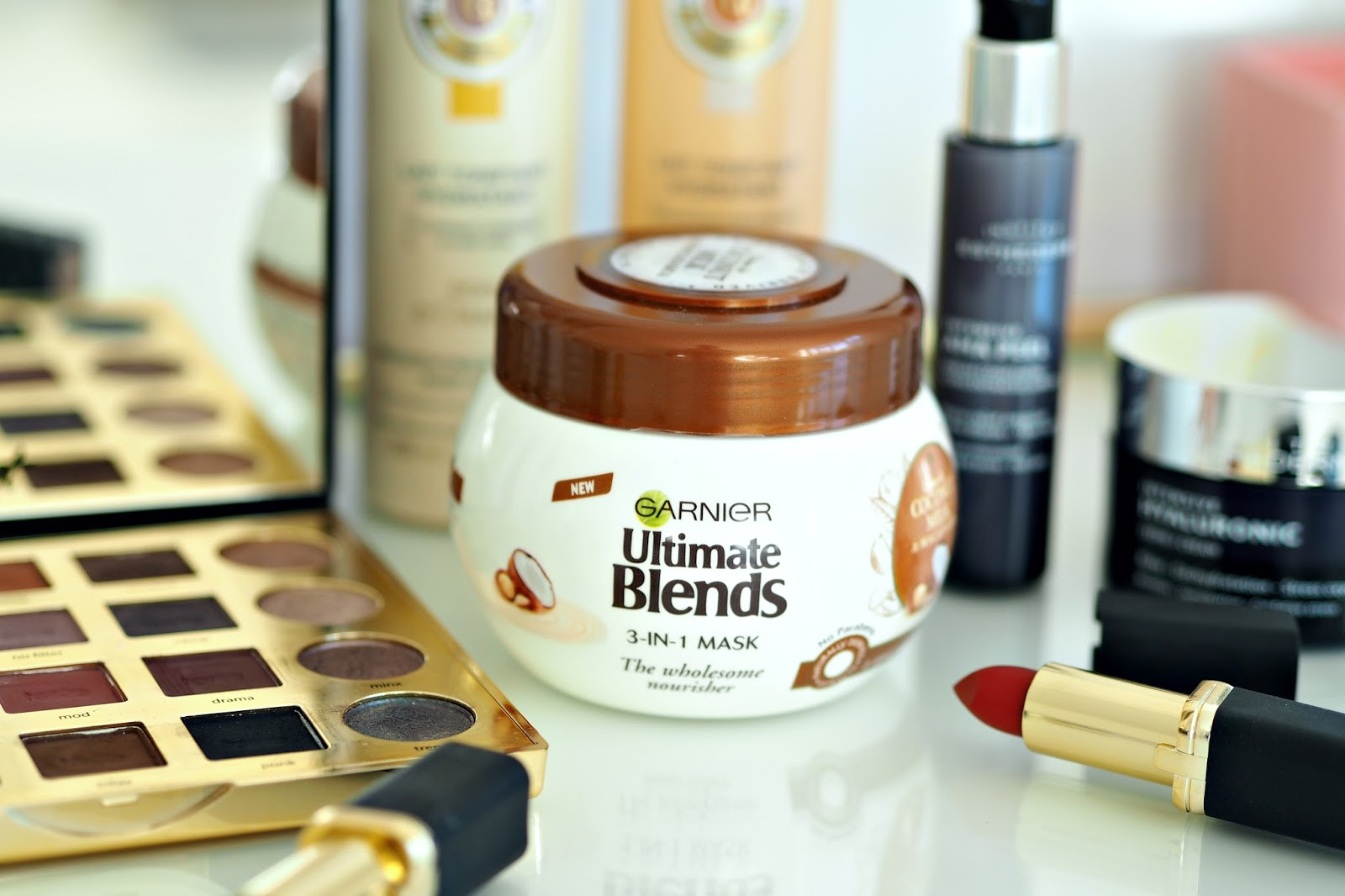 Garnier Ultimate Blends Coconut Milk & Macadamia Oil 3-in-1 Mask