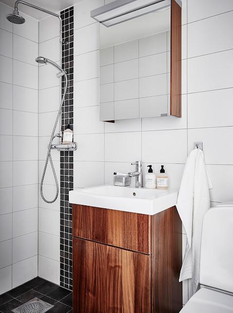 mobilier din lemn in baie