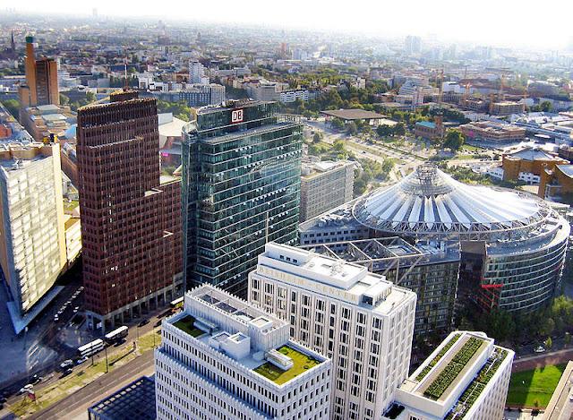 O que ver e fazer de graça em Berlim? Mais de cem atrações e atividades grátis - vista aérea da Potsdamer Platz em Berlim