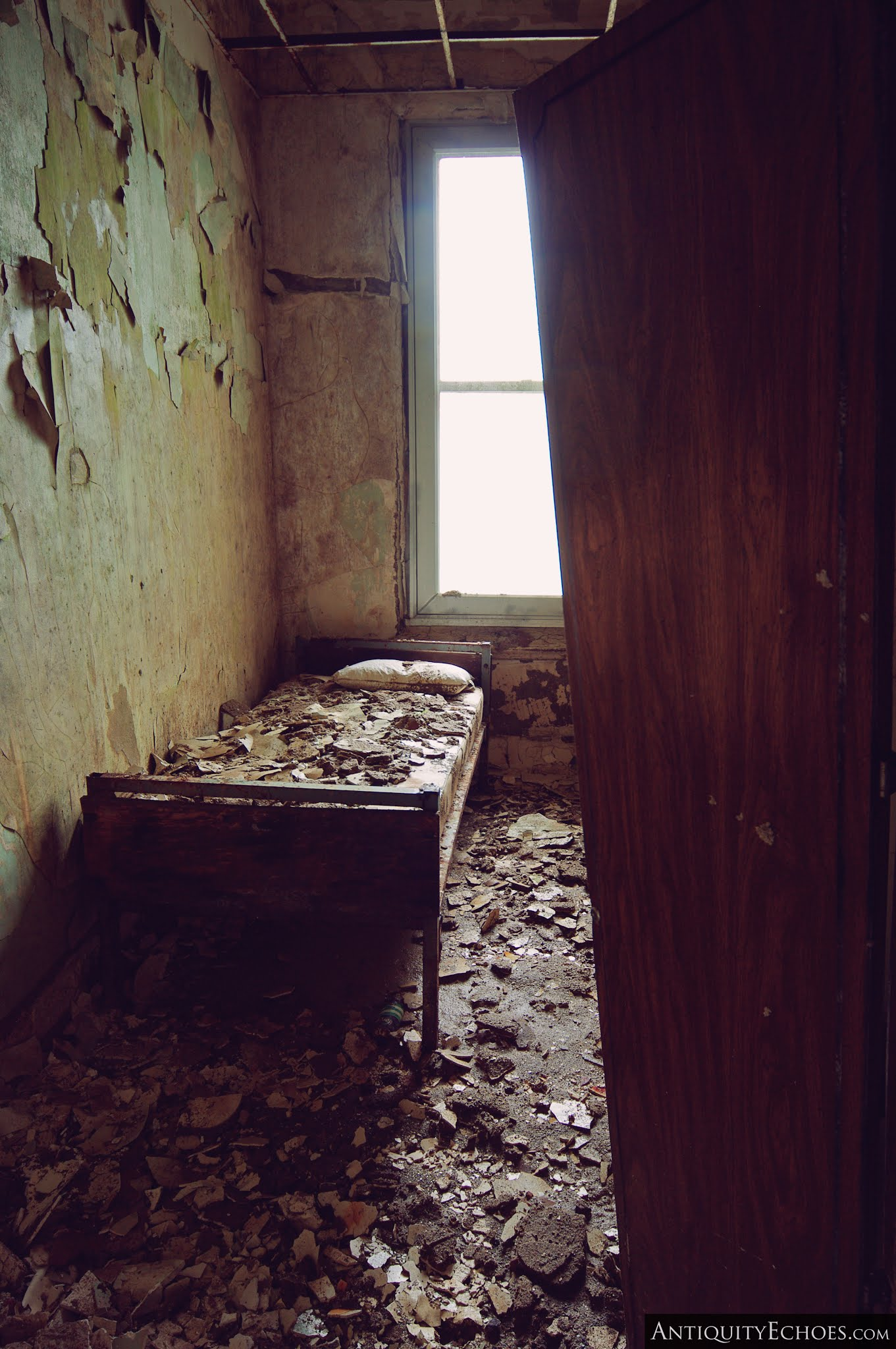 Overbrook Asylum - Rotting Bedroom