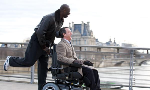 Fotograma de Intocable (2011), con Omar Sy y François Cluzet