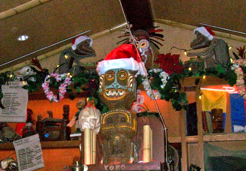 The Pineappleman's Tiki Blog: Christmas Time At Trader Sam