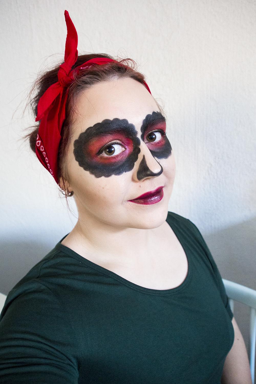 Helppo Halloween Meikki