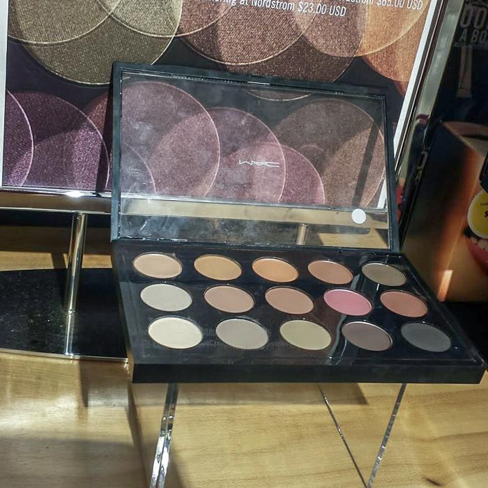 MAC Nordstrom C'est Chic Eyeshadow Palette - Swatches