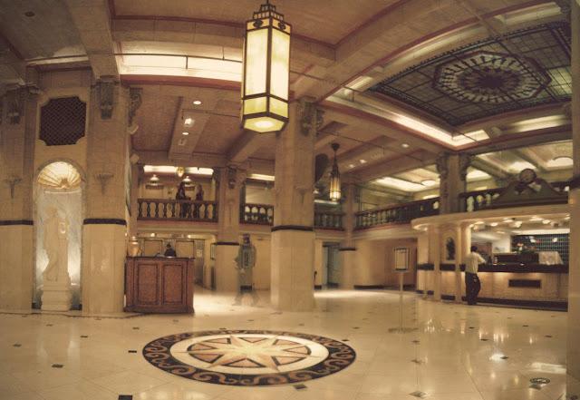 Lobby del Hotel Cecil