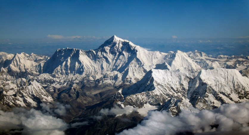 Biaya Pendakian Gunung Everest Yang Fantastis - Setara dengan 14 Kali Biaya Naik Haji di Arab Saudi