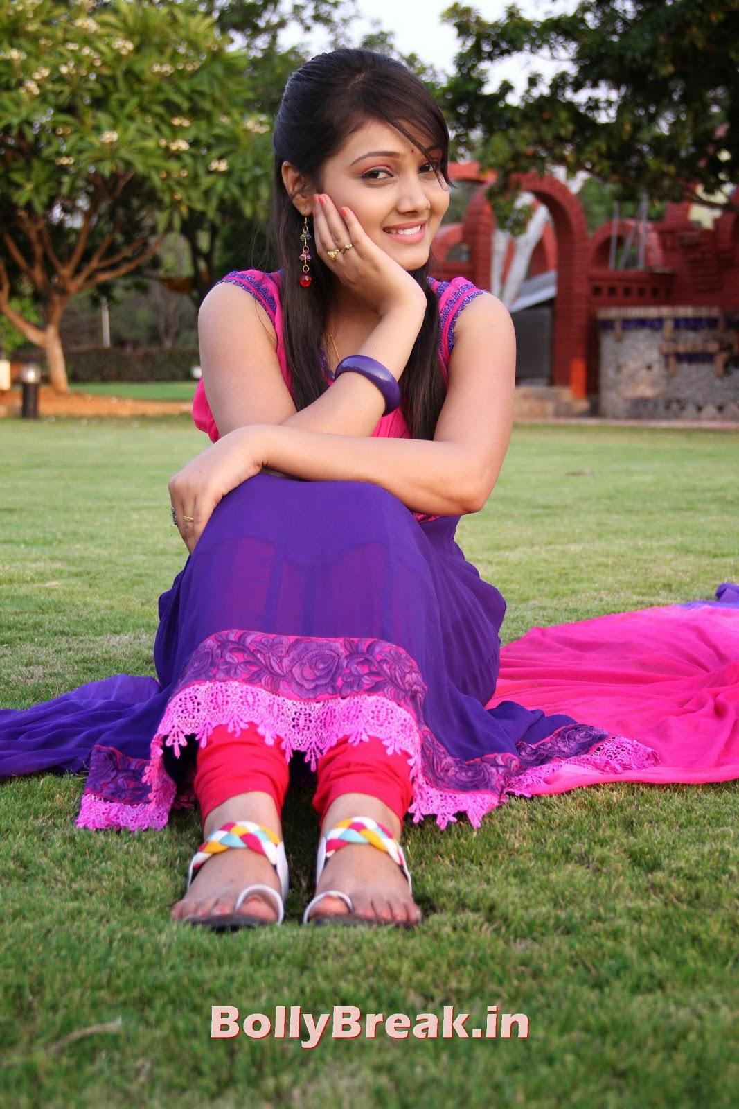 priyanka stills (35), Chubby Indian Girl Priyanka  Pics - Bollybreak Cute Actress of the Day