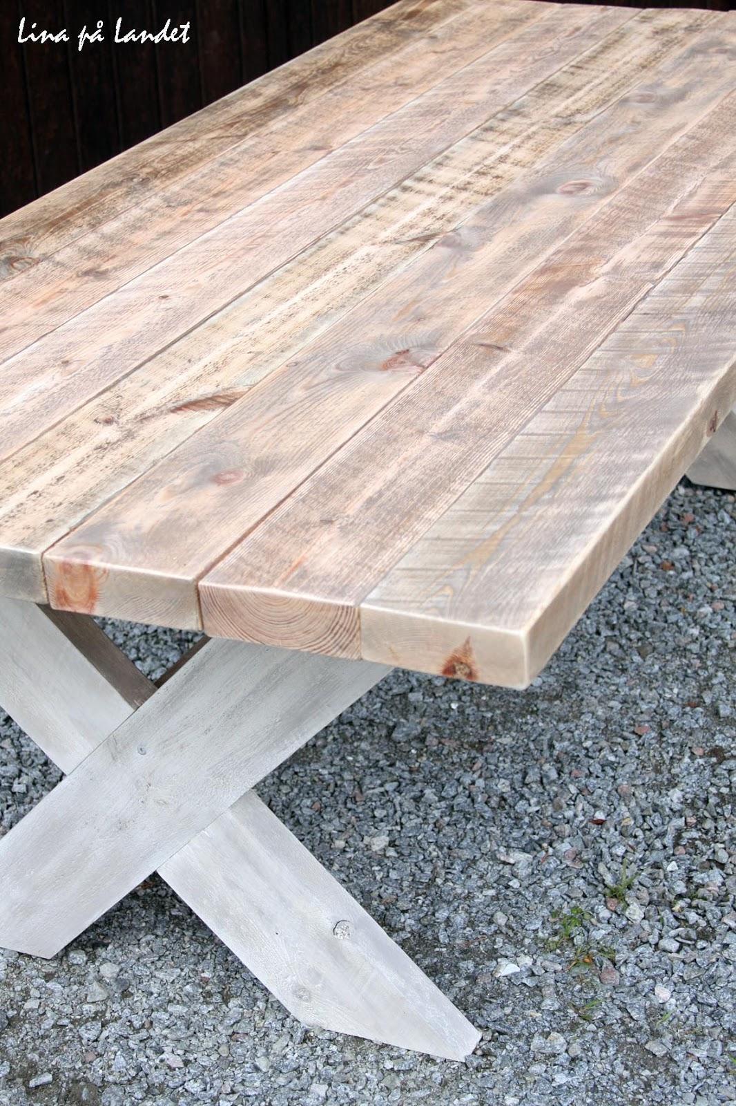 Lina på Landet: Rustikt bord