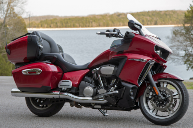 2018 Yamaha Star Venture TC First Ride