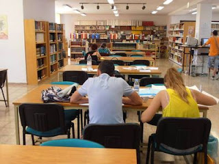 L 39 eliana mplia l 39 horari d 39 obertura de biblioteca per ser - Biblioteca l eliana ...