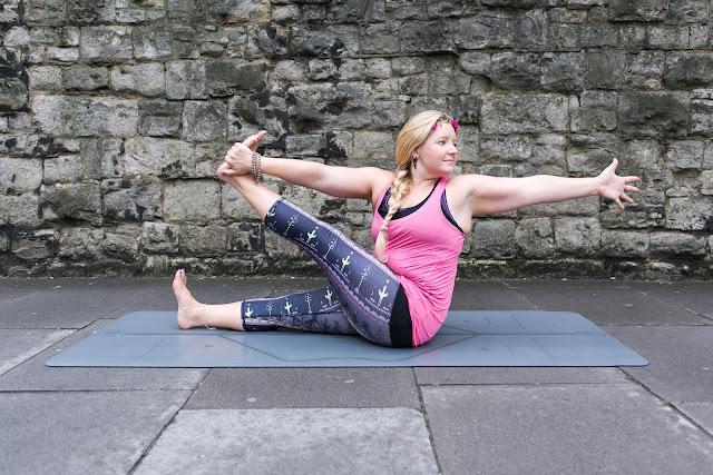 Mỗi ngày một tư thế Yoga || 48 Tư thế con cò
