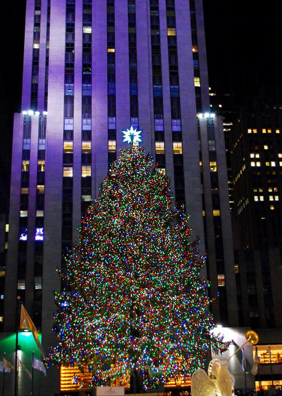 quick rockefeller center selfie with my marvelous mother a midst the hustle bustle - Rockefeller Christmas Show