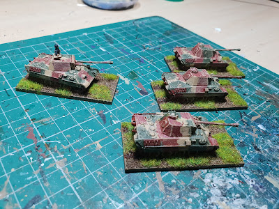Panther tanks with zimmerit and without picture 4