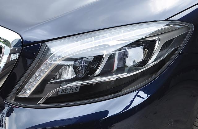 Mercedes S400 L sử dụng cụm đèn pha Full LED thông minh