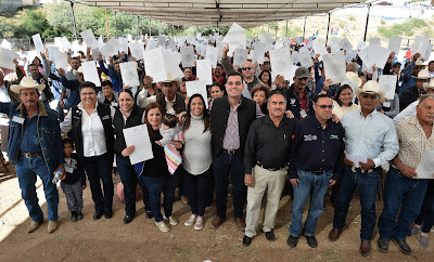 Reciben títulos de propiedad más de mil familias en Baviácora