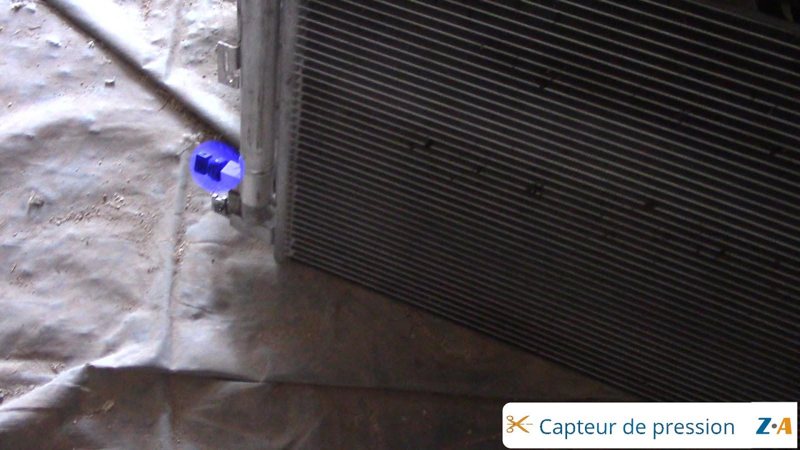 ensemble capteur de pression, bouteille déshydratante et condenseur de climatisation du Volvo XC90