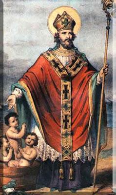 San Nicolas con su cayado dorado. A sus pies los tres niños inocentes se bañan en una tinaja