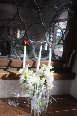 Hochzeitsdinner Glitzer-Hochzeit im Seehaus am Riessersee in Garmisch-Partenkirchen - Vier Hochzeiten und eine Traumreise - Vox - im Riessersee Hotel Garmisch-Partenkirchen mit viel Glitzer und weißen Calla - #4HochzeitenundeineTraumreise #Riessersee #Garmisch #HochzeitinGarmisch #Glitzer #Glimmer #Calla #HochzeitinBayern