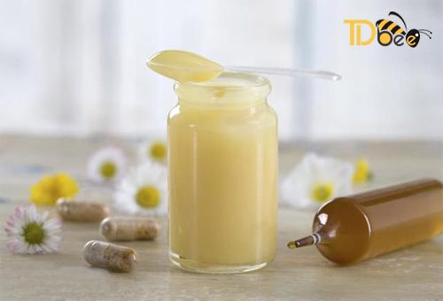 Những Lưu Ý Khi Dùng Sữa Ong Chúa Tươi Nguyên Chất