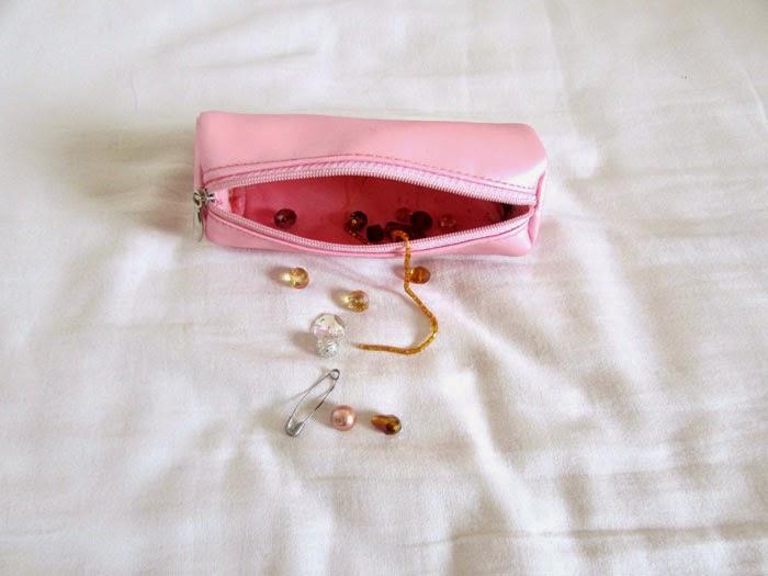 pochette à perles
