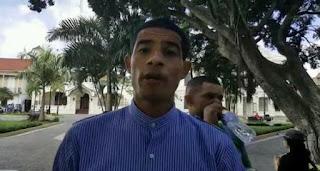 Feligreses de la Catedral Santiago Apóstol expulsa un pastor del parque Duarte (+Video)