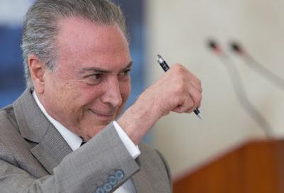 """Temer diz que decidirá """"lá na frente"""" reajuste de ministros do STF"""