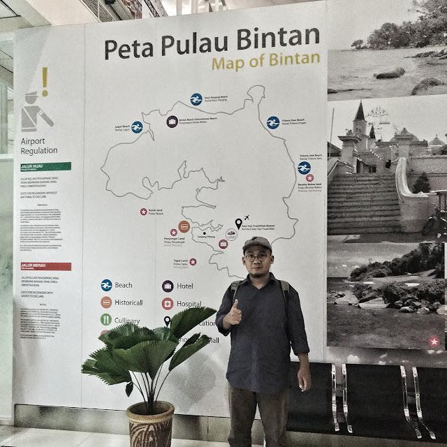 Di Bandara Raja Haji Fisabilillah
