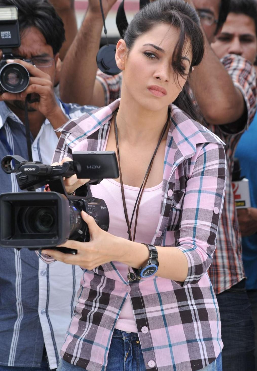 Tamanna hd photo gallery from cmgr telugu movie